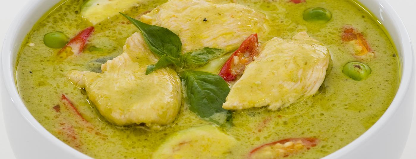 Green Chicken Curry - <strong>แกงเขียวหวานไก่</strong>